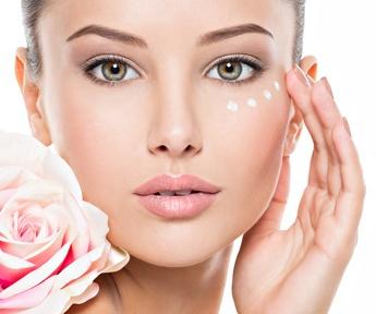Tratamiento para ojos en centro de belleza y estética sonseca